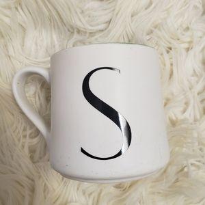 🆕️3/$30☀️Indigo Monogram Mug - S